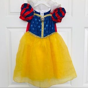 Disney Disneyland Snow White deluxe dress 4 4t
